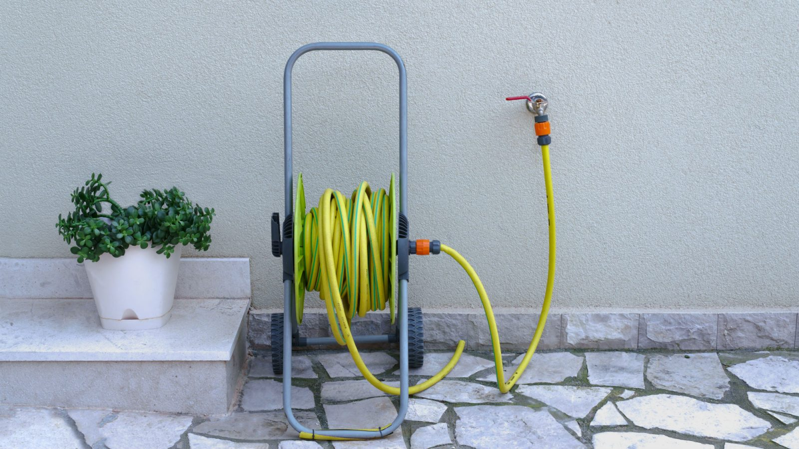 august north west hose pipe ban