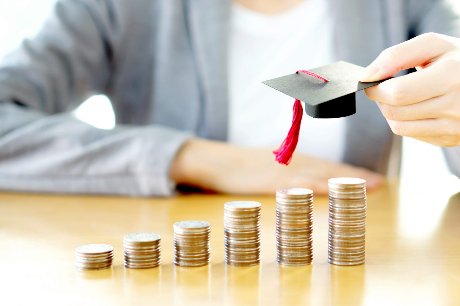 How to Manage Student Finance